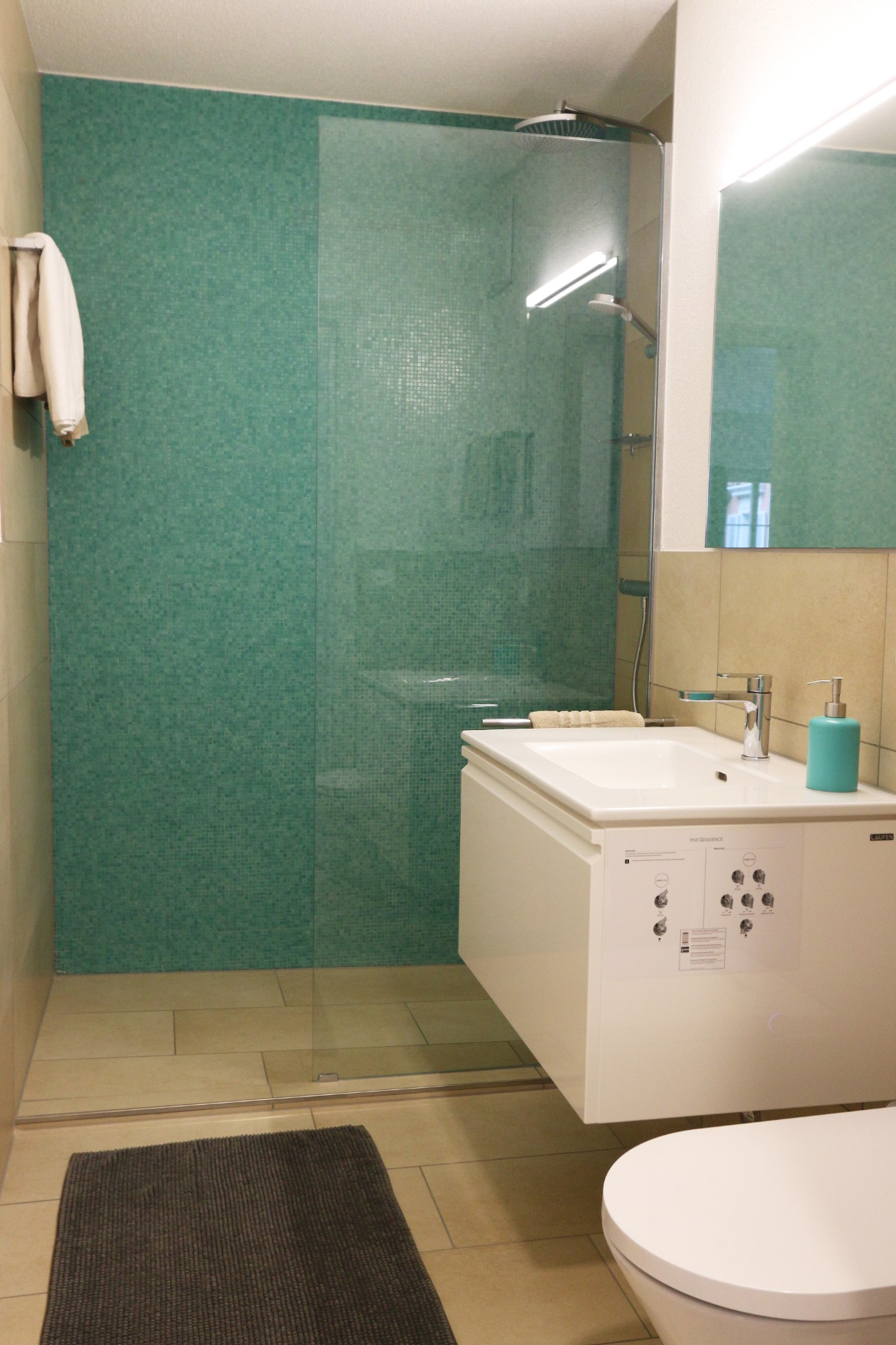 Bathroom at River Residence Apartments - Citybase Apartments