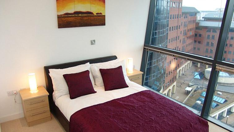 Bedroom in the Quay Serviced Apartments - Citybase Apartments
