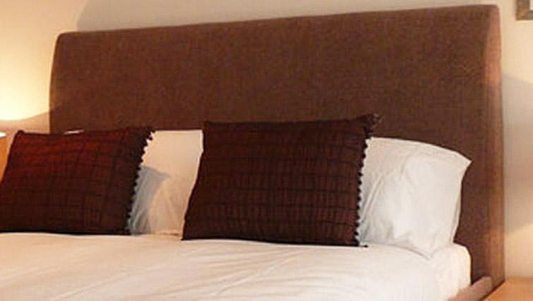 Bed at Quay Serviced Apartments - Citybase Apartments