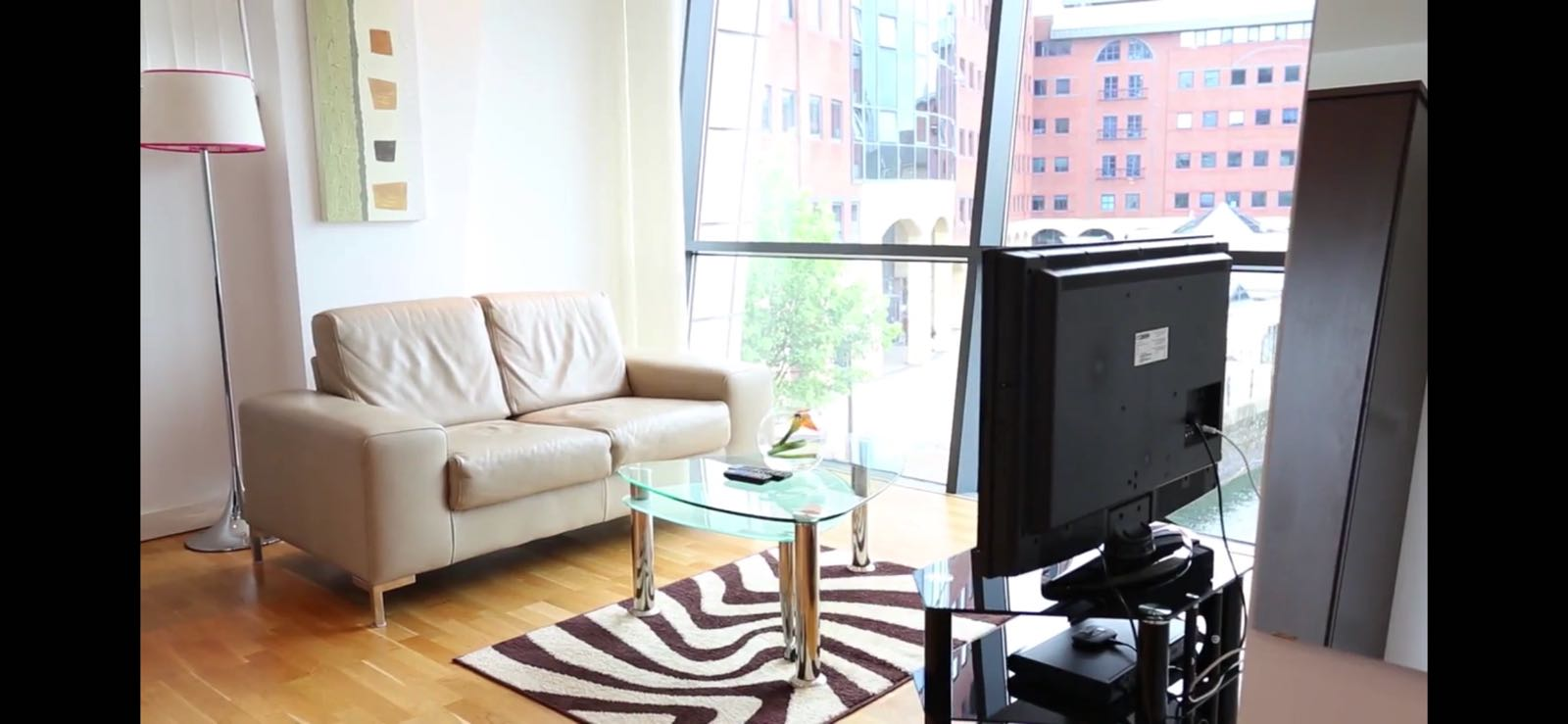 TV at Quay Serviced Apartments - Citybase Apartments