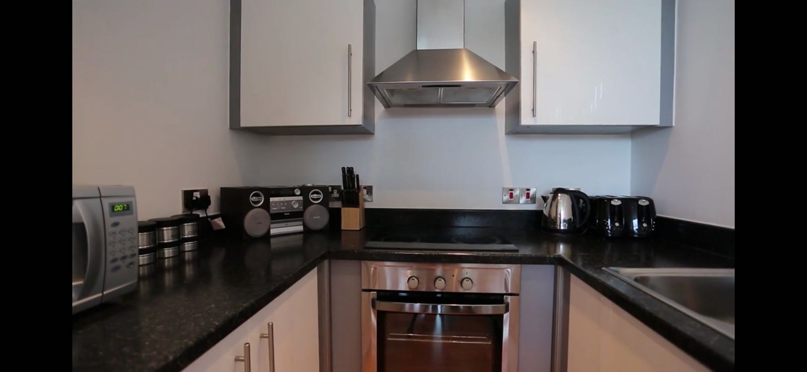 Oven at Quay Serviced Apartments - Citybase Apartments