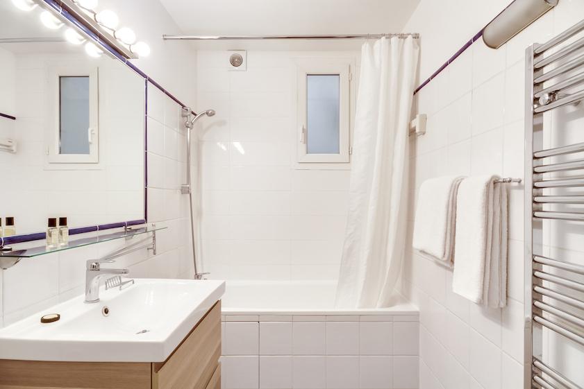 Bathroom at Rue d'Argout Apartments - Citybase Apartments