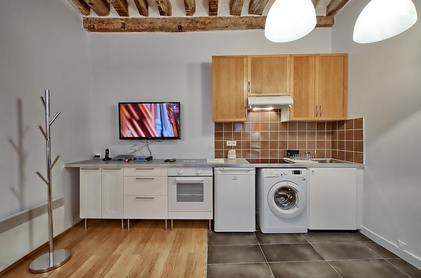 Kitchen facilities at Rue d'Argout Apartments - Citybase Apartments