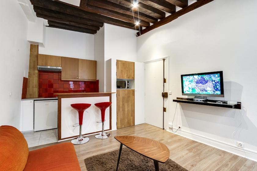 TV at Rue d'Argout Apartments - Citybase Apartments