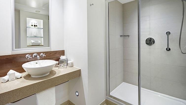 Incredible bathroom at Staybridge Suites Newcastle - Citybase Apartments