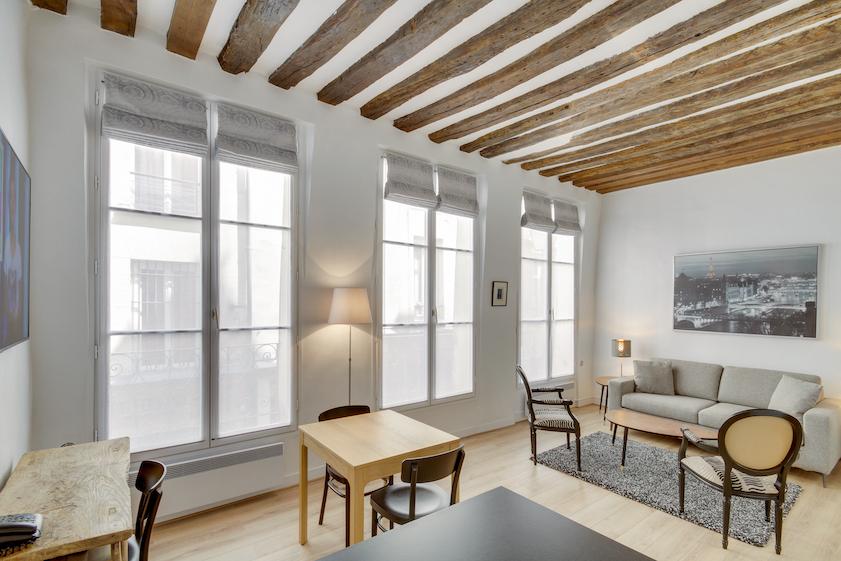 Dining area at Rue Saint-Sauveur Apartments - Citybase Apartments