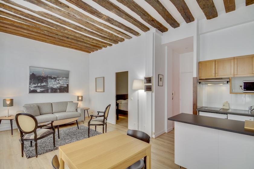 Open-plan at Rue Saint-Sauveur Apartments - Citybase Apartments