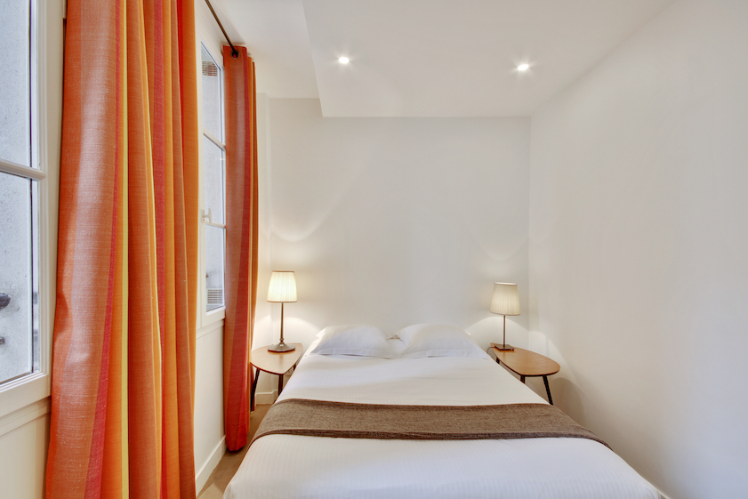 Bright rooms at Rue Saint-Sauveur Apartments - Citybase Apartments
