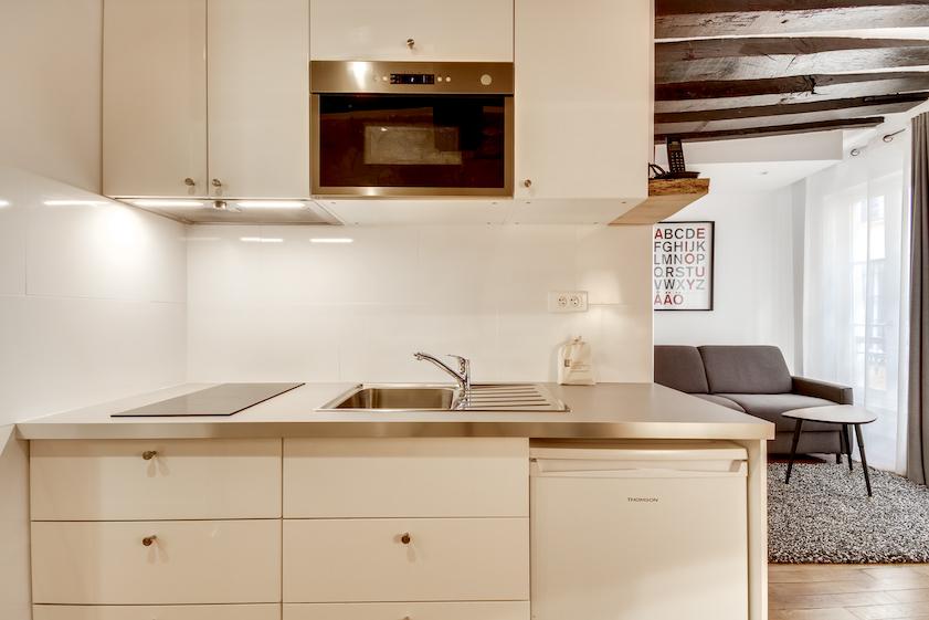 Appliances at Rue Saint-Sauveur Apartments - Citybase Apartments