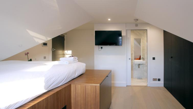 TV at West Hampstead Apartments - Citybase Apartments