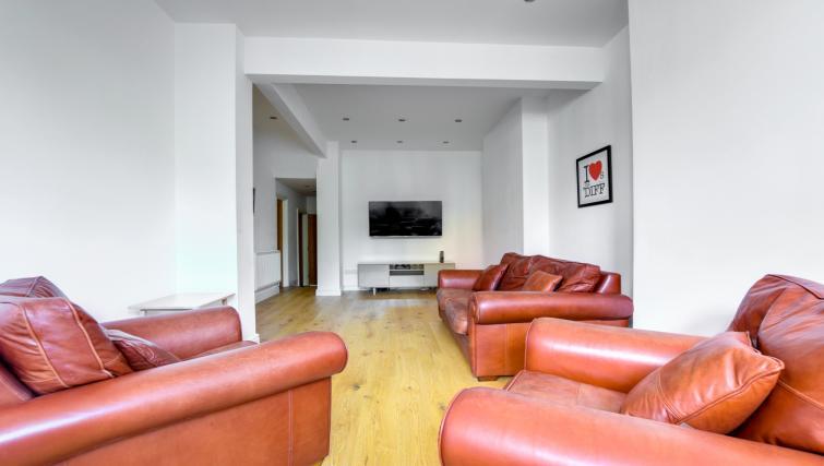 Living room at Glan Yr Afon Townhouse - Citybase Apartments