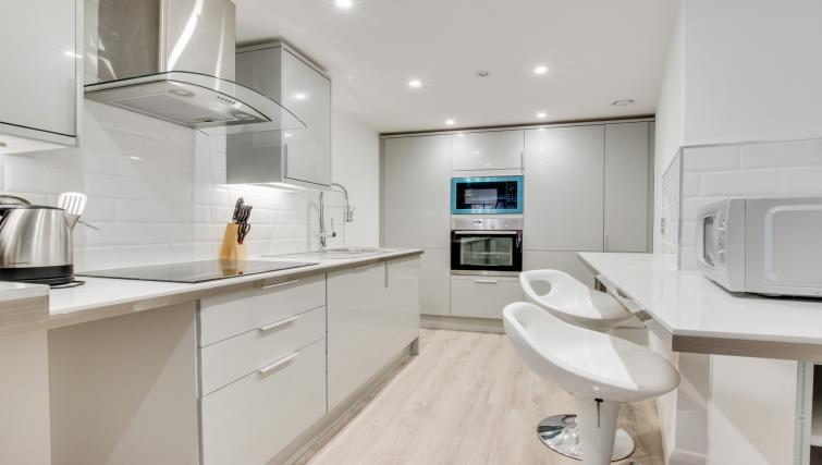 Kitchen at Hafan Y Porth Apartment - Citybase Apartments