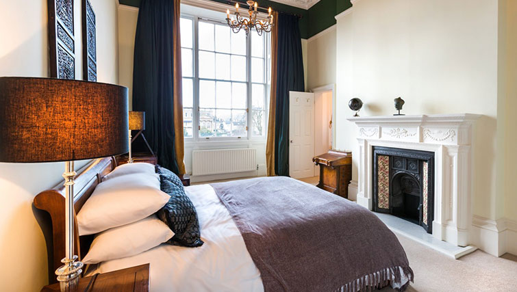 Bedroom at 21 Montpelliar House - Citybase Apartments