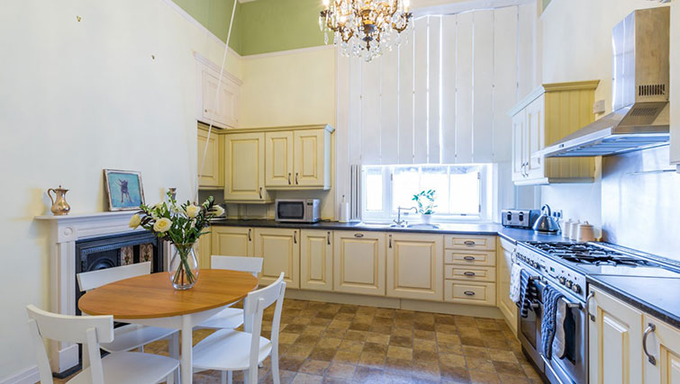 Kitchen at 21 Montpelliar House - Citybase Apartments