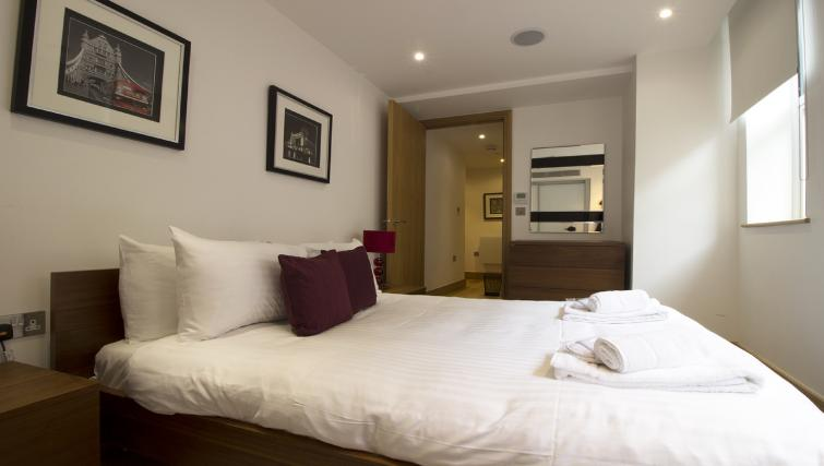 Bedroom at 7 Red Lion Court Apartment - Citybase Apartments