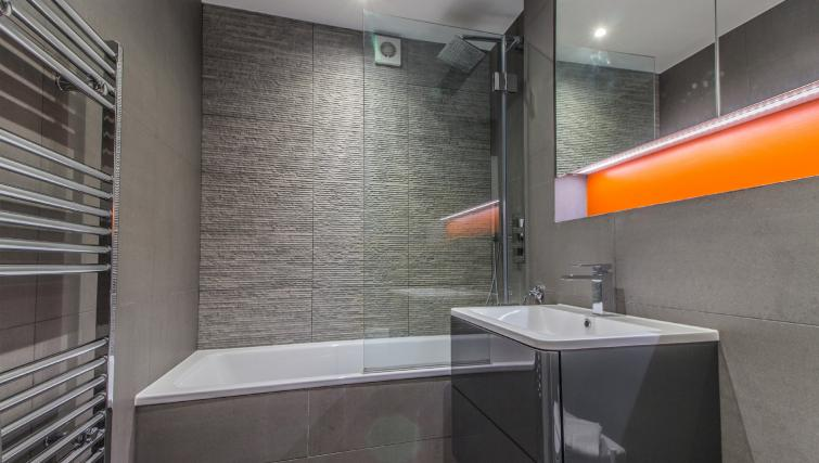 Bathroom at Liverpool Street Apartment - Citybase Apartments