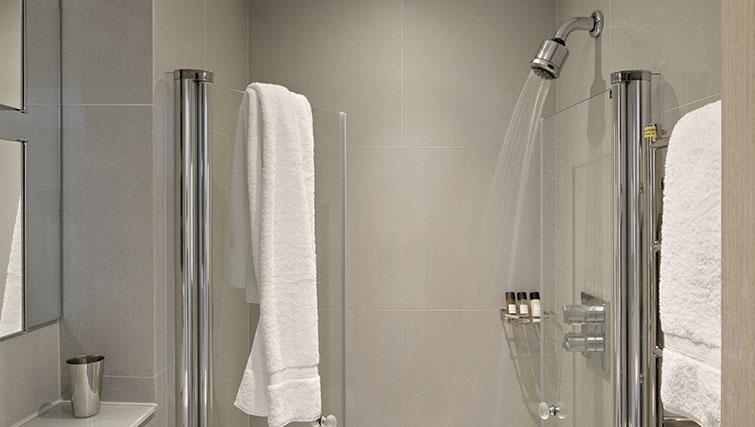 Bathroom at Templeton Place Aparthotel - Citybase Apartments