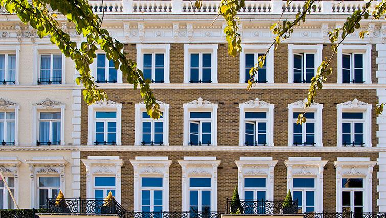 Exterior fo Templeton Place Apartments - Citybase Apartments