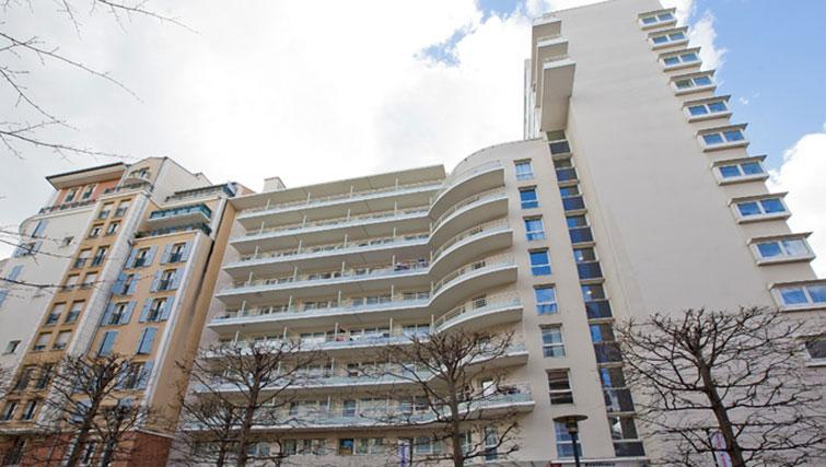 Exterior at Séjours & Affaires Grande Arche Apartments - Citybase Apartments