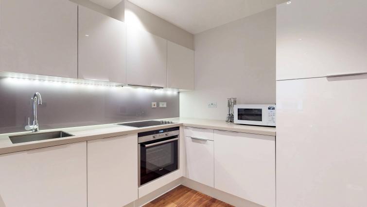 Kithcne at Lovat Lane Apartment - Citybase Apartments