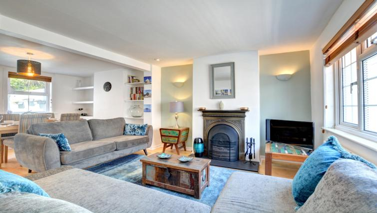 Living room at Cheltenham Cottage - Citybase Apartments