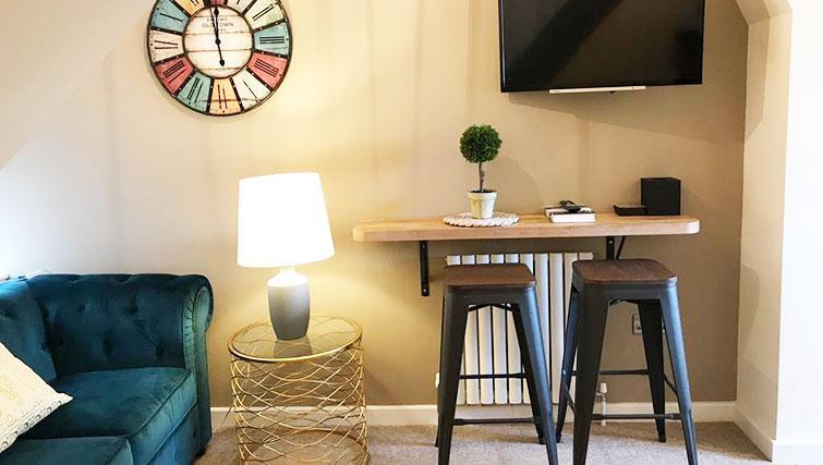 Living space at Oriel Suites - Citybase Apartments