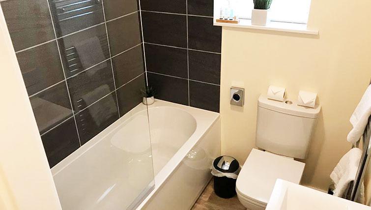 Bathroom at Oriel Suites - Citybase Apartments