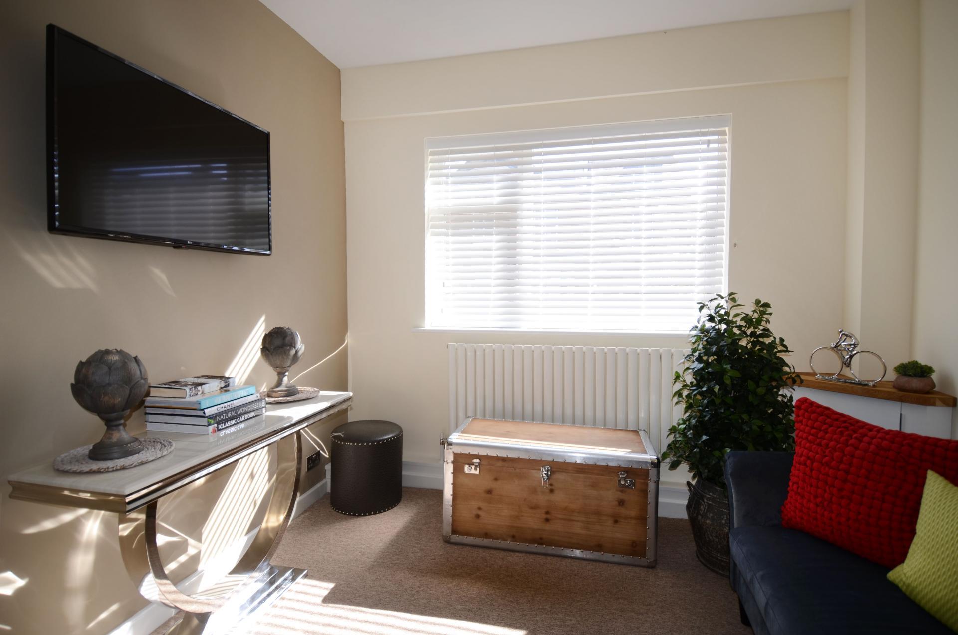 TV at Oriel Suites - Citybase Apartments