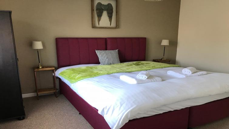 King size bed at Oriel Suites - Citybase Apartments
