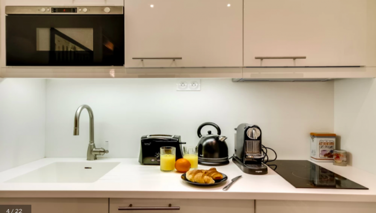 Kitchen at Villa Jocelyn - Citybase Apartments