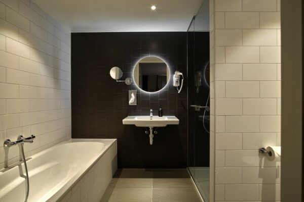 Bath at The Garden Apartments, Amsterdam - Citybase Apartments