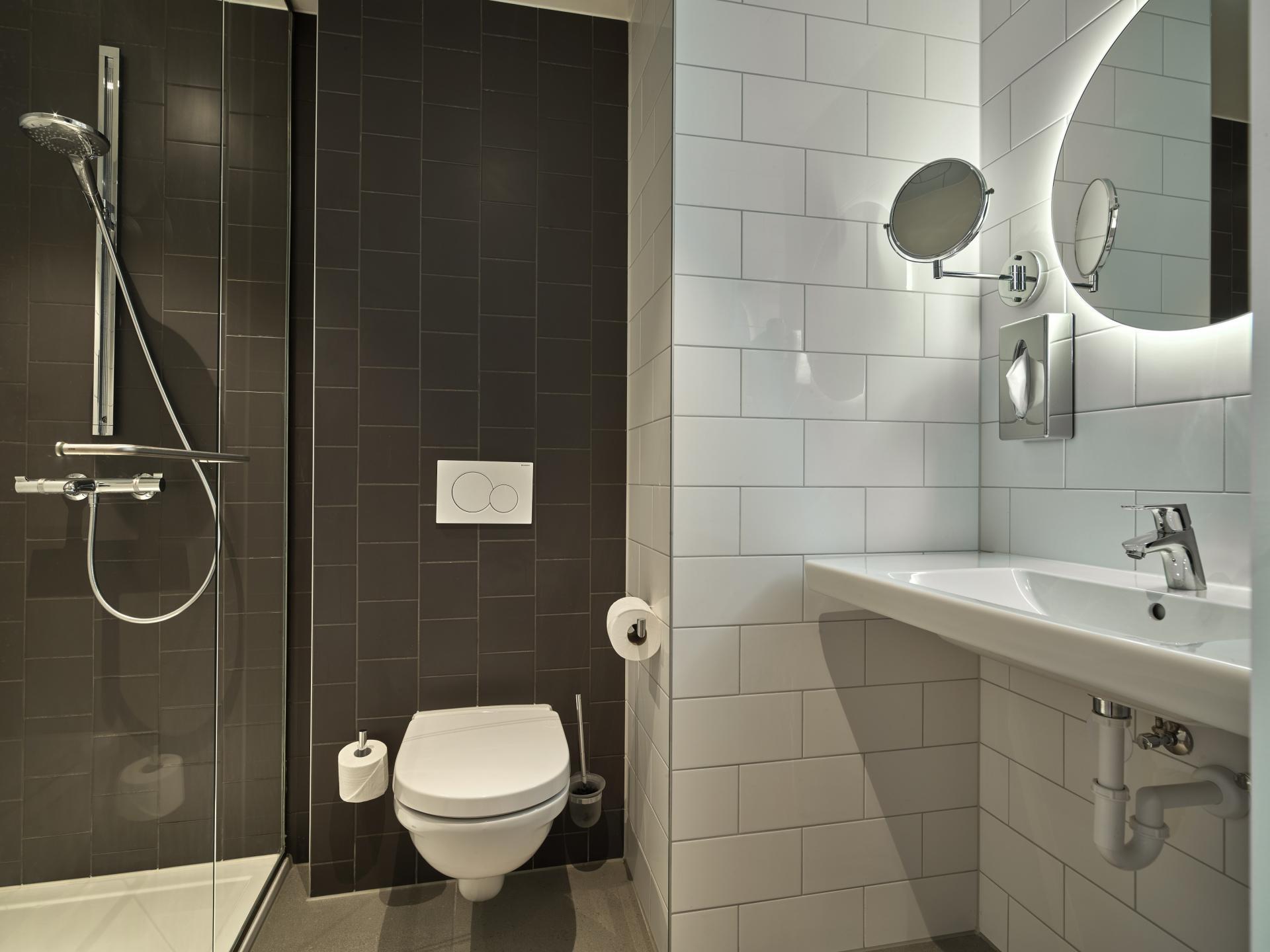 Bathroom at The Garden Apartments - Citybase Apartments