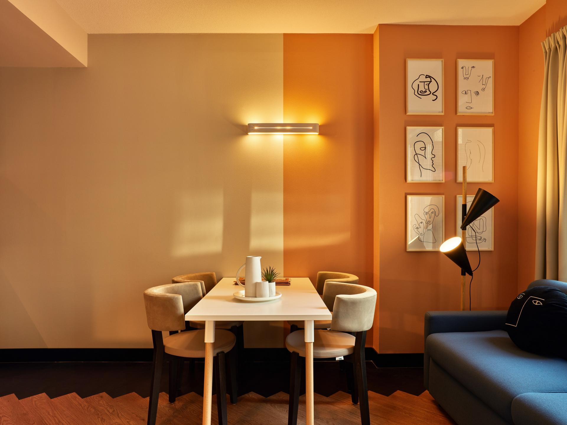 Dining at The Garden Apartments - Citybase Apartments