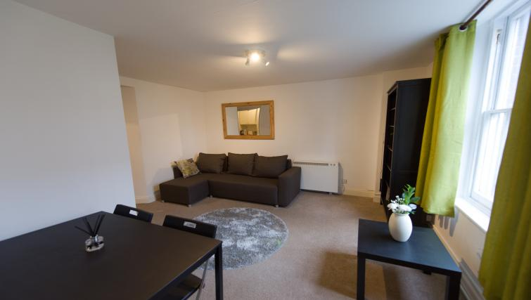 Spacious living room atRomsey Road Serviced Apartment - Citybase Apartments