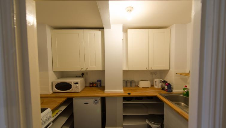 Kitchen at Romsey Road Serviced Apartment - Citybase Apartments