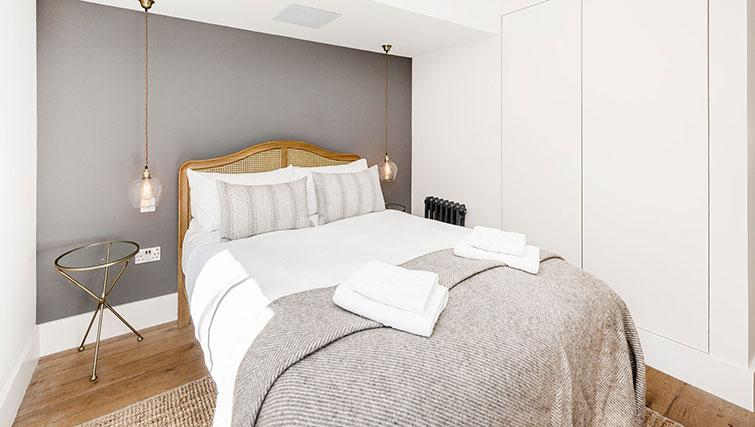 Double bed at BE: Drury Lane Apartments - Citybase Apartments
