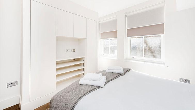 Bright bedroom at BE: Drury Lane Apartments - Citybase Apartments