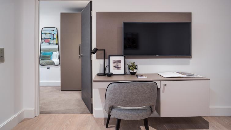 Tv at The Chronicle Aparthotel - Citybase Apartments