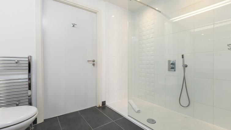 Bathroom at Malt House Apartments - Citybase Apartments