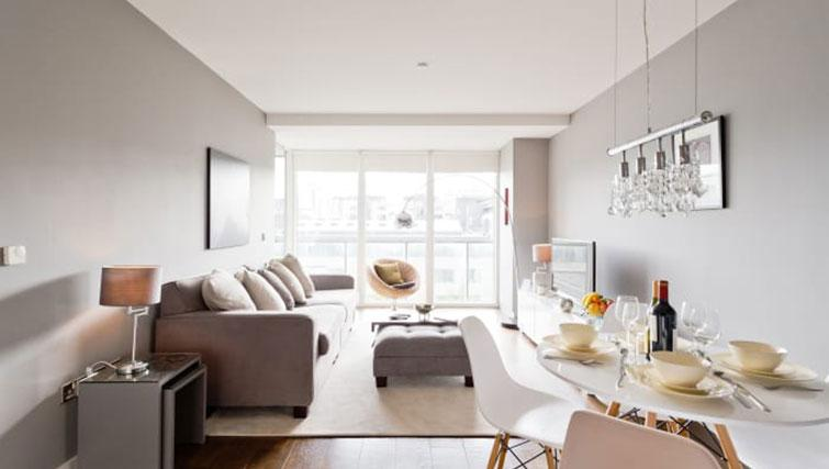 Modern lounge at Riverside Quay Apartments - Citybase Apartments
