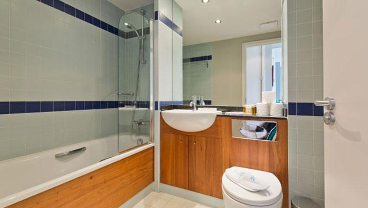 Bathroom at Riverside Quay Apartments - Citybase Apartments