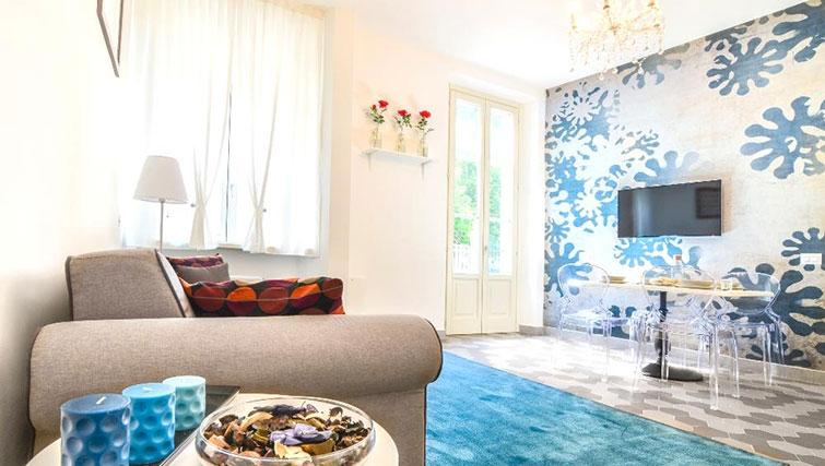 Bright lounge at Villa Massari Manzoni - Citybase Apartments
