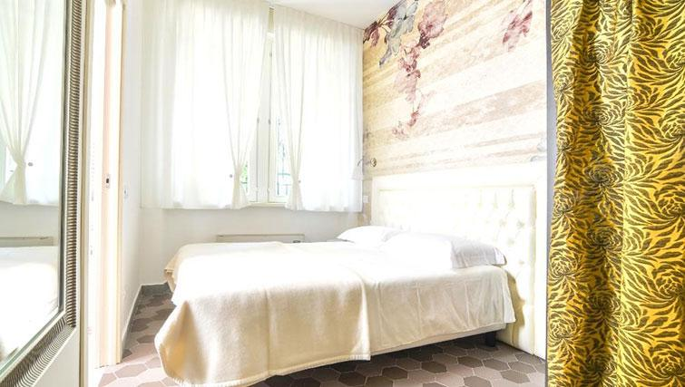 Bedroom at Villa Massari Manzoni - Citybase Apartments
