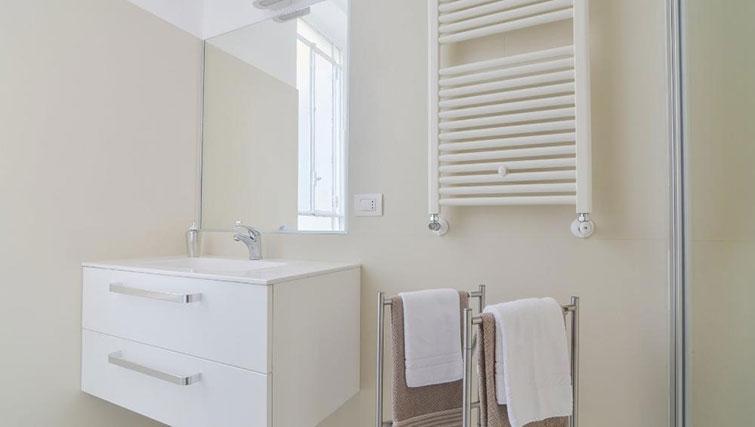Bathroom at Bacone Liberty Diana - Citybase Apartments
