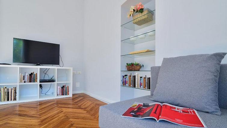 TV at Bacone Liberty Diana - Citybase Apartments