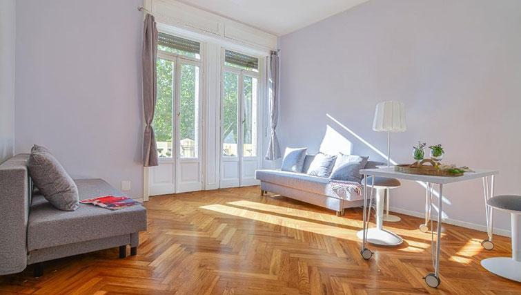 Living room at Bacone Liberty Diana - Citybase Apartments