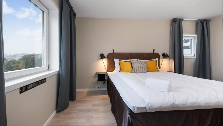 Double bed at Lagårdsveien 61 Serviced Apartments - Citybase Apartments