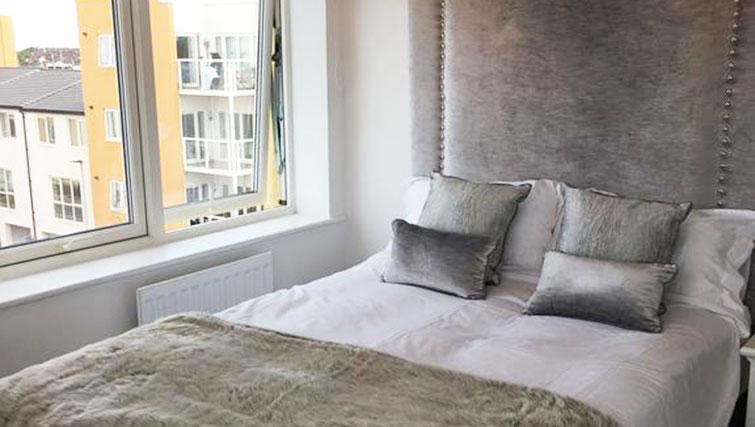 Bright bedroom at Wain Close Apartment - Citybase Apartments