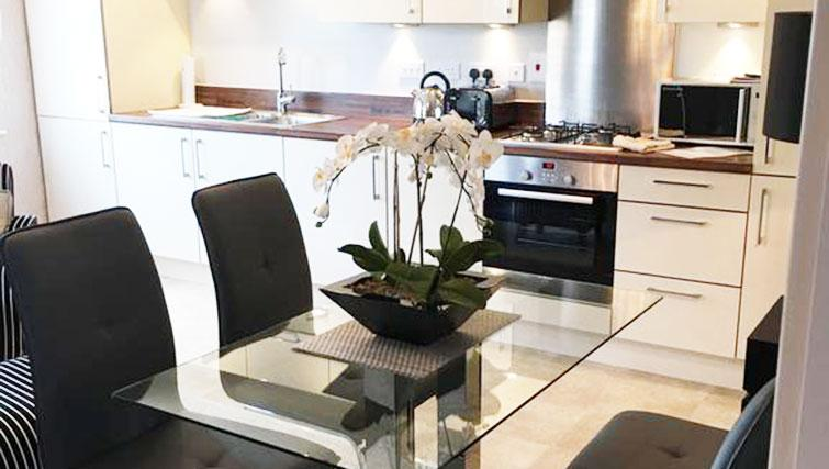 Dining area at Wain Close Apartment - Citybase Apartments