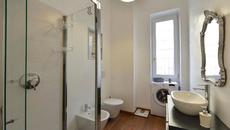 Bathroom at Moscova Apartment - Citybase Apartments